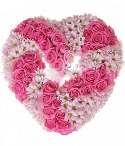 Сердце из роз infrus.ru