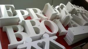Фрезеровка листовых материалов для рекламных конструкций