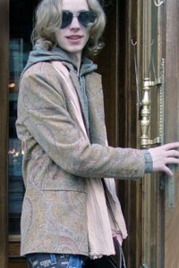 Пошив дизайнерского костюма, пиджака